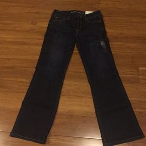NWT AE Outfitters favorite boyfriend jeans sz 10